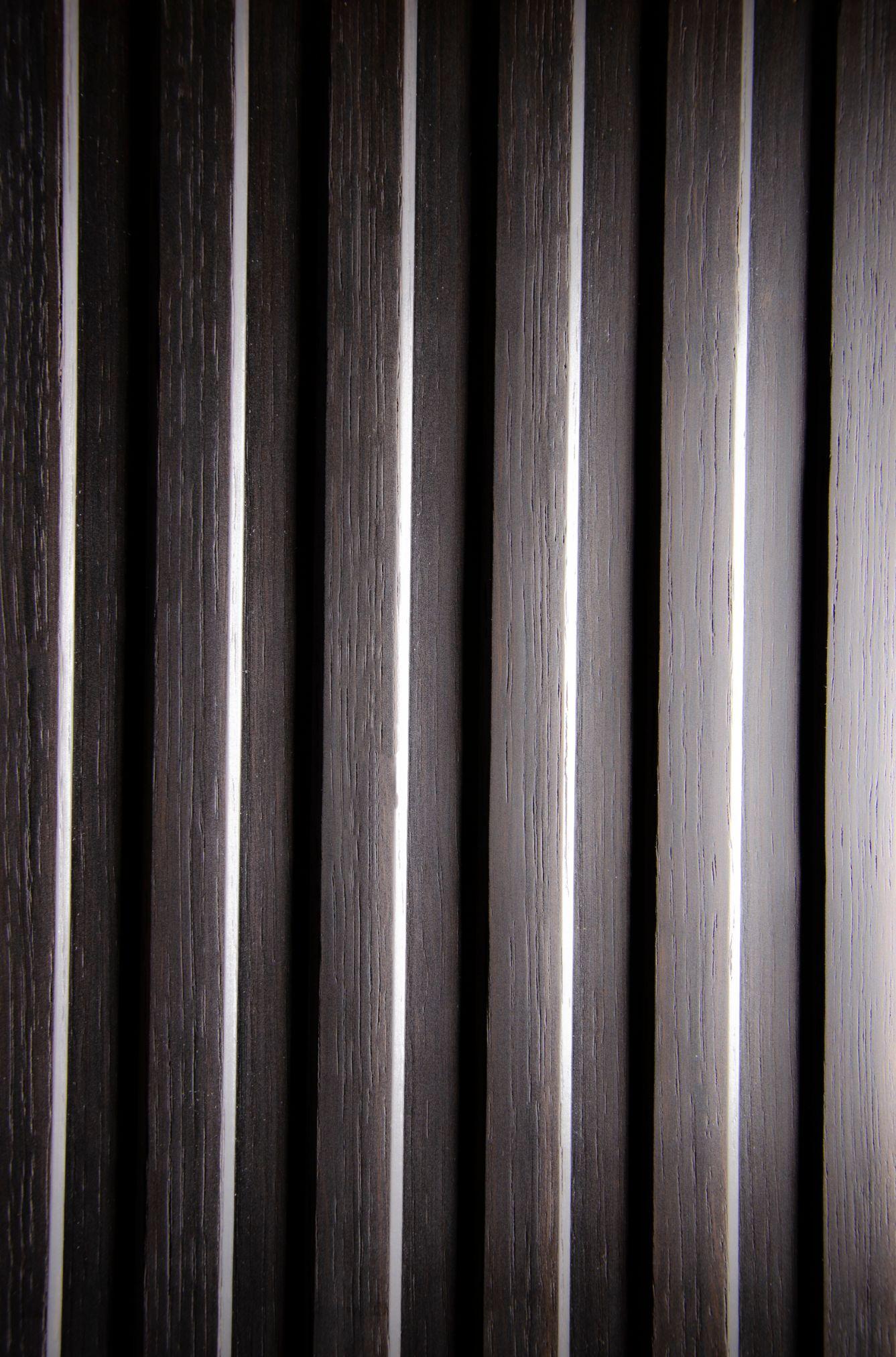 2552 - TRAPEZ - Bog Oak - Real wood veneer